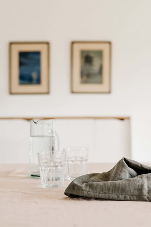 Tafelkleed linnen oudroze_close up tafel