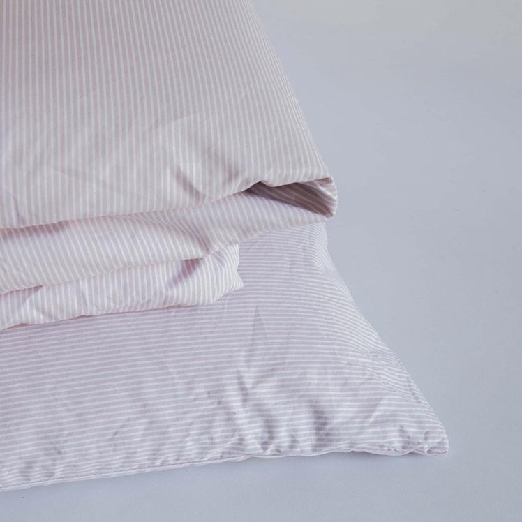 Dekbedset katoen roze-wit gestreept_packshot